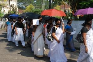 manifestazione femminile a Fort Cochin