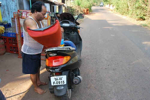 rent a scooter in Goa