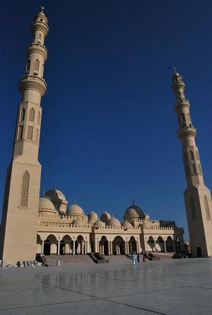 Esterno della moschea Aldahaar