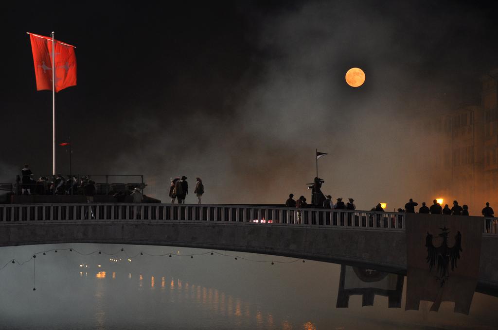 Gioco del Ponte_Giugno Pisano