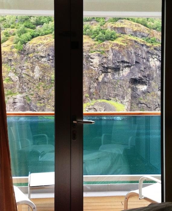 Camera con balcone crociera fiordi