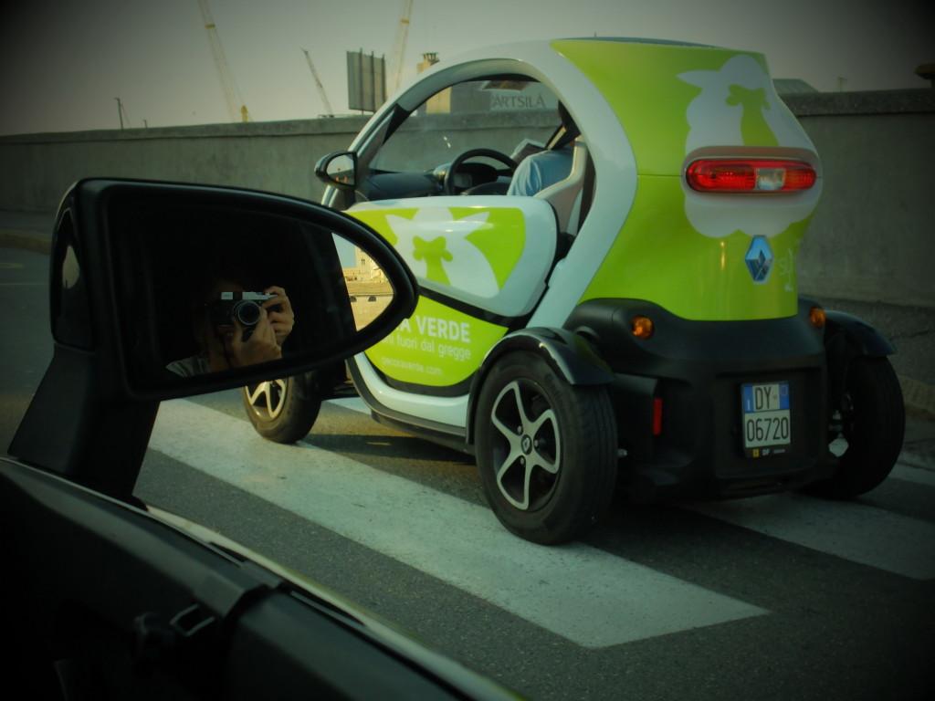 auto elettrica pecora verde