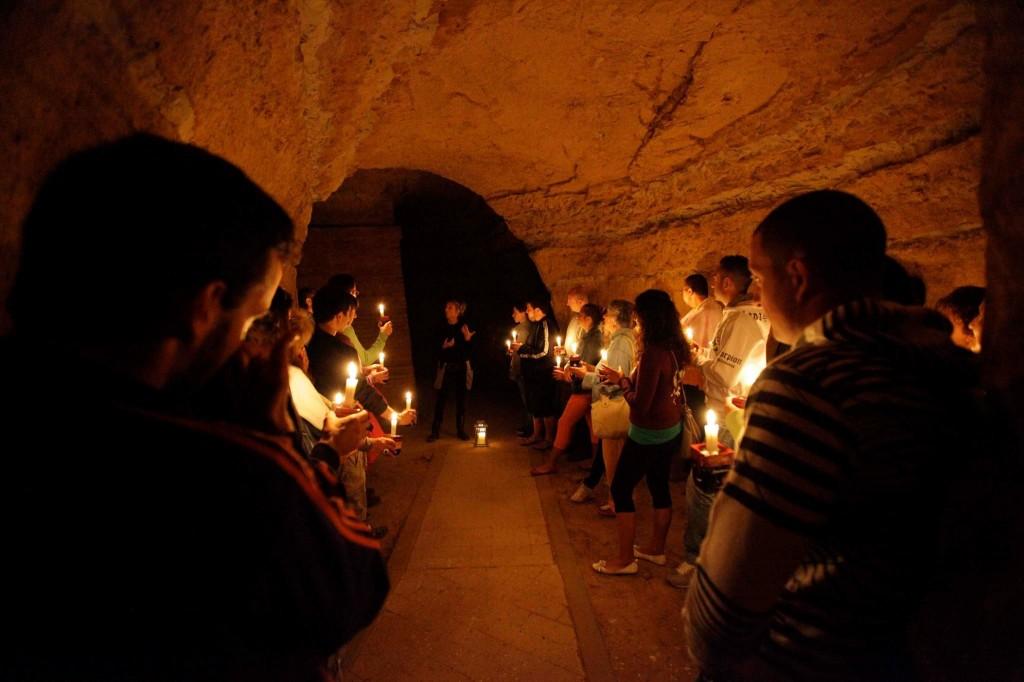 Tour Emozioni dall'Oscurità Grotte di Camerano