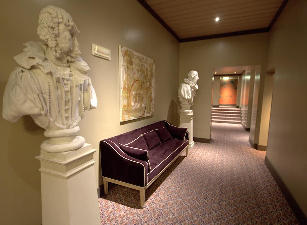 Corridoi Grand Hotel Cavour