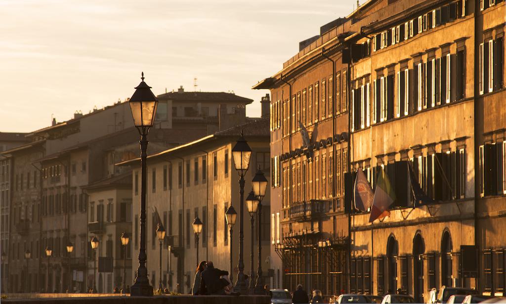 Lungarni di Pisa al Tramonto
