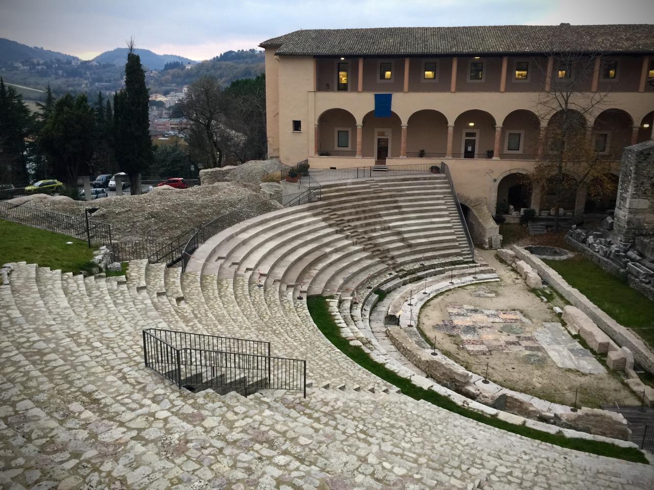 Cosa-Vedere-a-Spoleto-Teatro-Romano