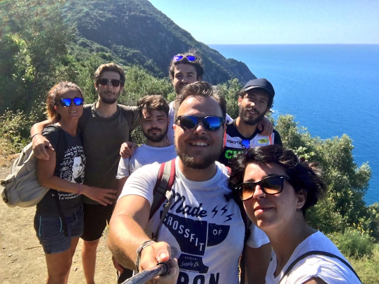 Cosa fare alle Cinque Terre trekking da Levanto a Monterosso foto di gruppo